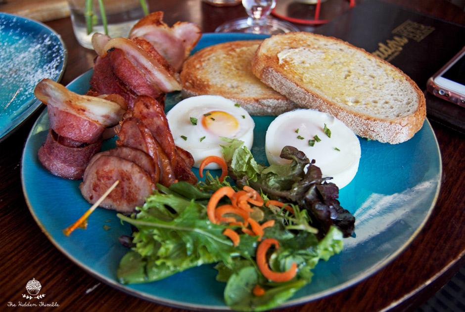 Trad3rs - Egg, Chicken Chorizo, Bacon & Sourdough Bread